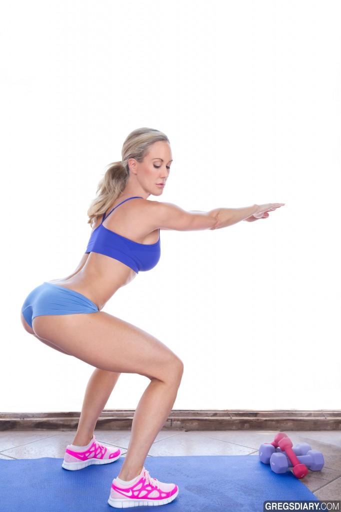 squat1 682x1024 Physique Finess